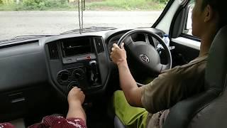 Latihan Nyetir Mobil Di Jalan Raya
