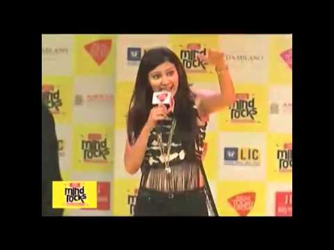Badshah, Aastha Gill Perform 'Saturday Saturday'