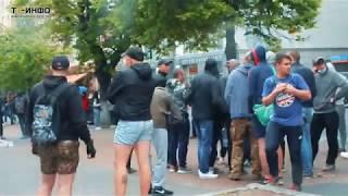 В Харькове хулиганы в масках сорвали свадьбу геев