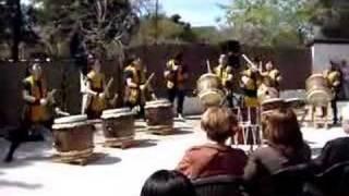 Mukaito Taiko - Grupo de tambores japoneses Presentación en el Fest...
