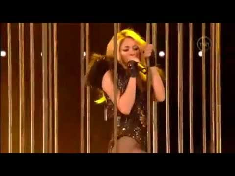 Shakira - She Wolf E Give It Up To Me (Live NBA)