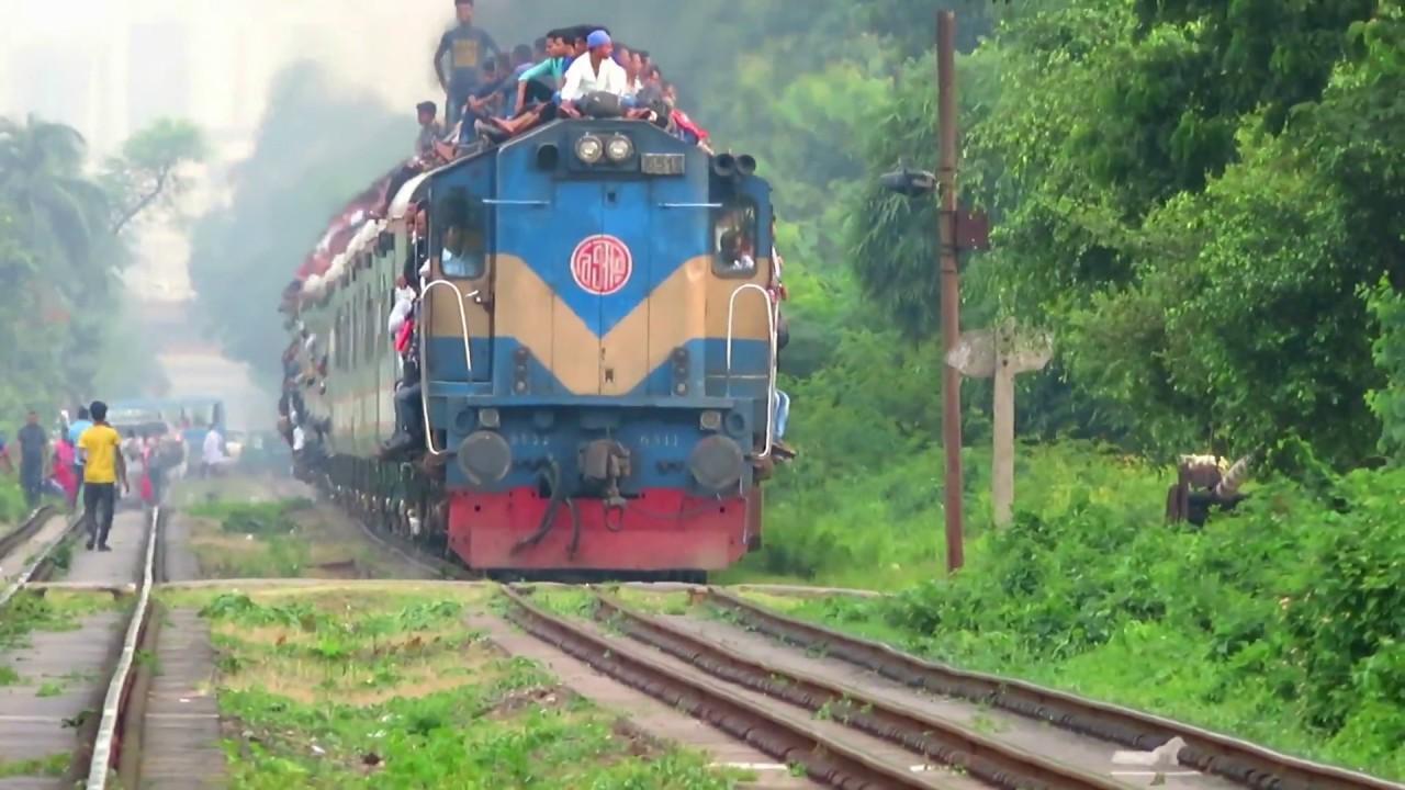 Crowded Insane Bangladeshi Train !!! EID Time