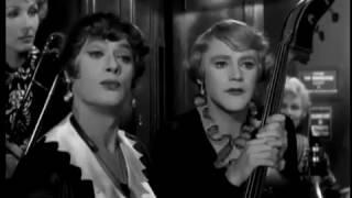"""Marilyn Monroe """"В джазе только девушки"""" - Репетиция в вагоне"""