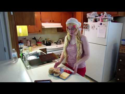 Cooking with the Countries: Canadian Breakfast Sandwiches (Hetalia)