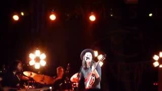 James Bay live in Madrid - Hold back the River (HD)