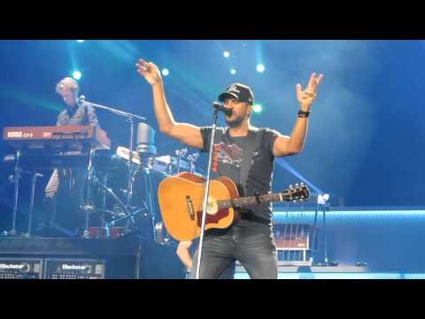 Luke Bryan Huntin,' Fishin' And Lovin' Everyday Live Bryce Jordan Center
