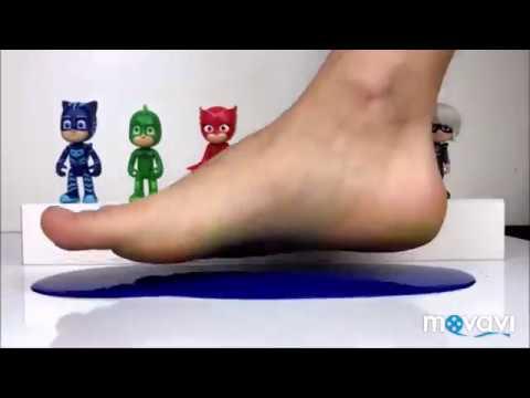 Pijamaskeliler Oyuncakları Ile Renkler Ve Ayak Boyama Youtube