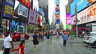 ニューヨークのタイムズスクエアのネオンが凄い。ブロードウェイの広告・2017年8月19日 DJI 0043 thumbnail