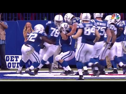Anthony Castonzo Fat GUy Touchdown Celebration Colts vs Patriots Dhalsim Victory Dance !