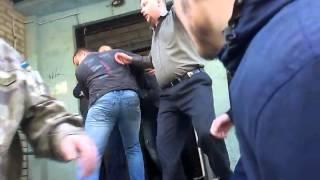 Избиение Василия Волги в Запорожье 3(Видео с сайта z-city.com.ua., 2016-04-22T10:37:08.000Z)