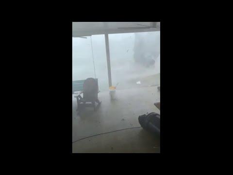Josh Healy - Guy Narrates Tornado as it Comes Through His Yard