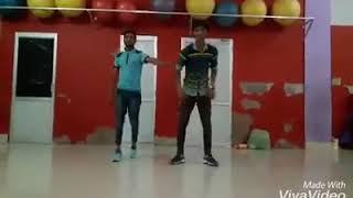 Choreographer karan sharma ankhiyan milao kabhi ankhiyan churao hip hop style