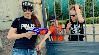 ДЕТИ ВОРИШКИ СБЕЖАЛИ из Тюрьмы Полицейского - Nerf Gun Game