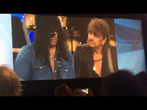 Slash played with Richie & Orianthi after receiving Les Paul Award at NAMM