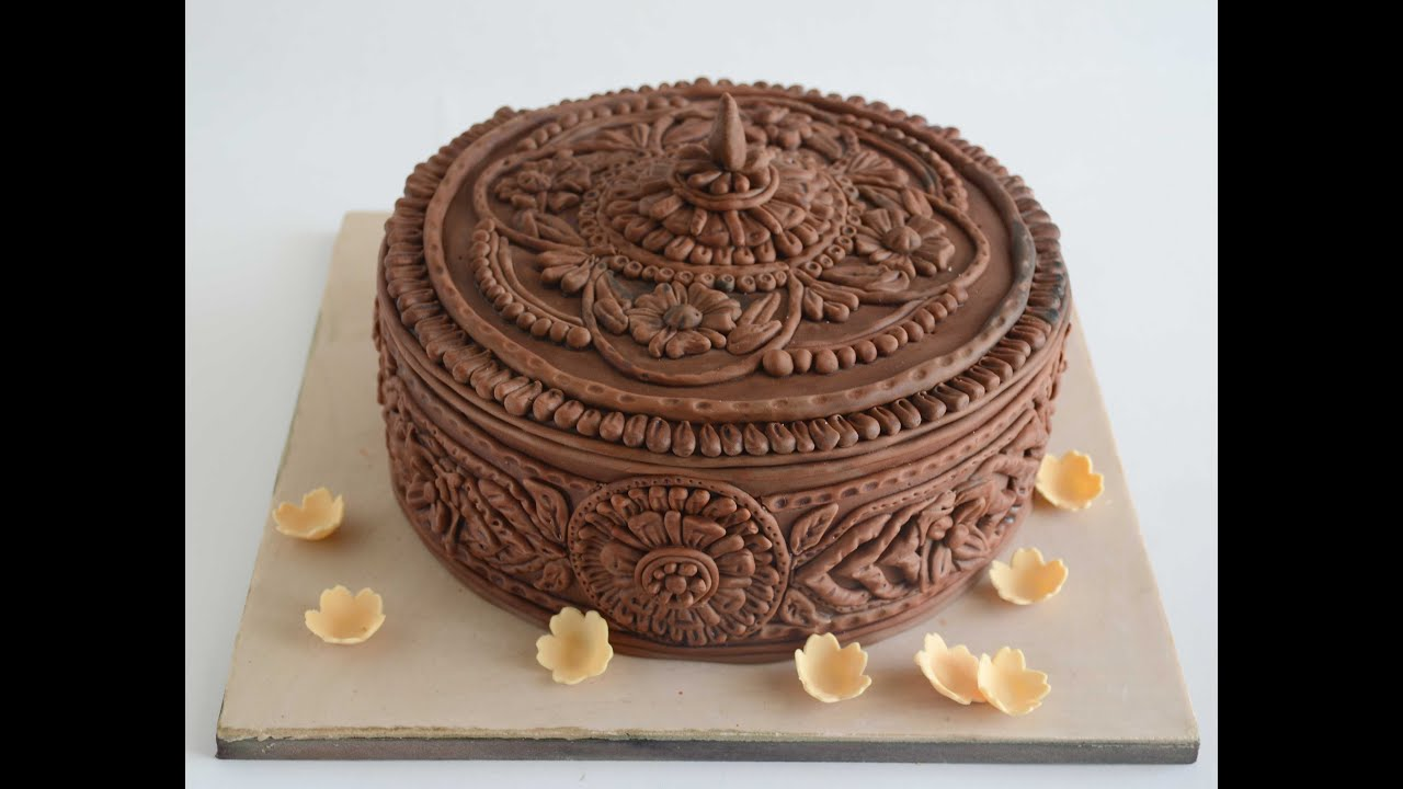 How To Create Intricate Wood Work Effect On Cake With