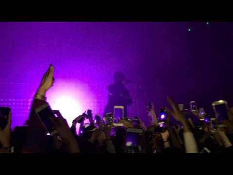 Bryson Tiller opens European tour performing