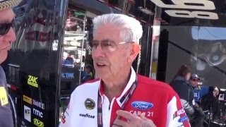 Leonard Wood talks to Rick Dollar at the Folds of Honor QuikTrip 500 at Atlanta Motor Speedway