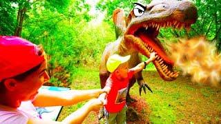 Смотреть видео Егор и Гигантский Парк Динозавров в Москве онлайн