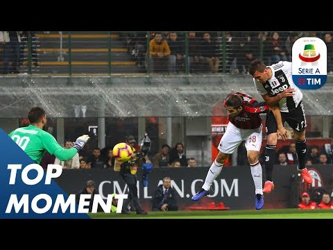 Mandžukić Gives Juventus The Lead At Milan | Milan 0-2 Juventus | Top Moment | Serie A