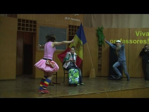 Moldova fights human trafficking with interactive theatre
