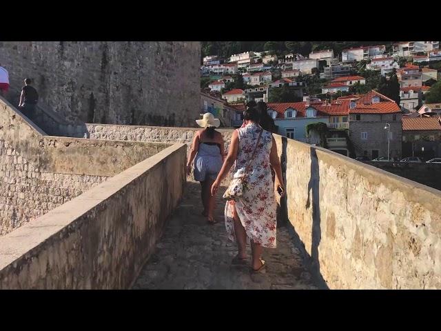 Ντουμπρόβνικ, περιηγηθείτε στο στολίδι της Αδριατικής με τον φακό του zougla.gr