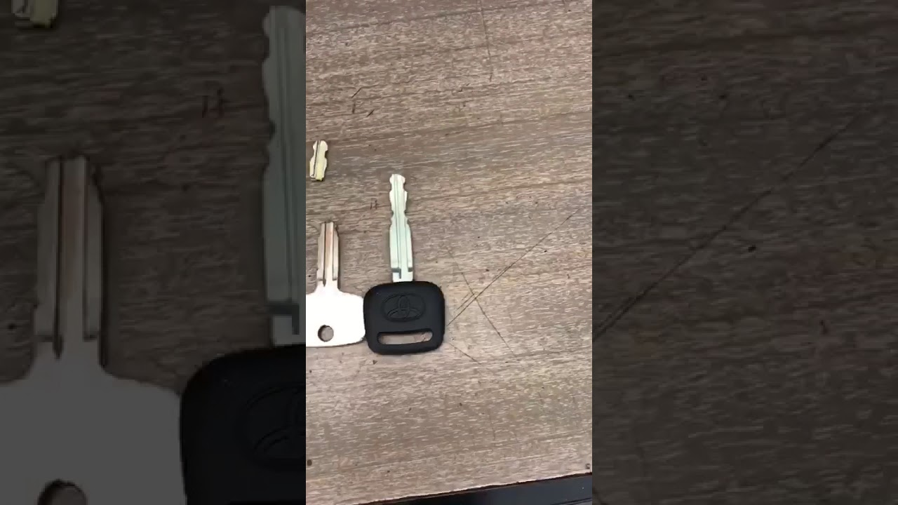 How To Fix A Broken Toyota Car Key Youtube