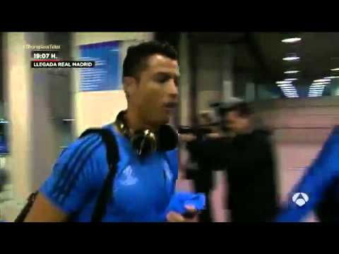 Cristiano Ronaldo and Florentino Perez discuss before PSG game