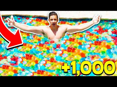 FILLING MY POOL WITH 1,000+ WATER BALLOONS! (With MooseCraft)