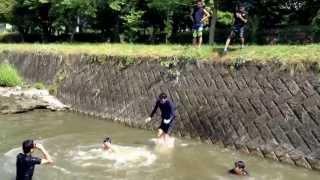 池田は写ってません(^◇^;) ただの川飛び込み動画ですね笑.