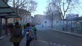 Blockupy Frankfurt 18.03.2015: Tränengas und Pfefferspray gegen Aktivisten & brennendes Polizeiauto