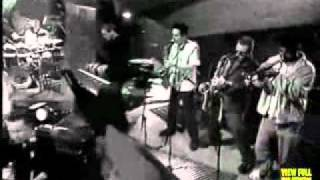 UB40 & Ken Boothe Sing The Train Is Coming.mp4