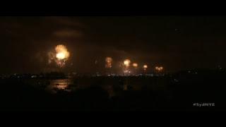 Жители Австралии встречают новый год— прямая трансляция грандиозного феерверка
