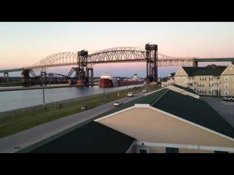 Great Lakes freighter Roger Blough