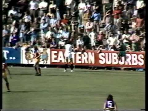 Footscray verses Fitzroy at the Western Oval April 12, 1975.   First quarter.