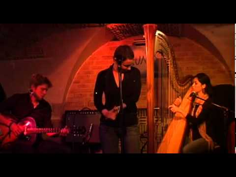 Lhasa De Sela - Is anything wrong(live Sunset -2009)