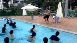 Aqua Zumba in SINGAPORE with ZES Richard Gormley - easy Carlos Vives Cumbia Track