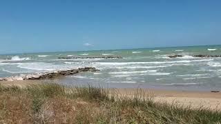 Vento di maestrale: urla e biancheggia il mare