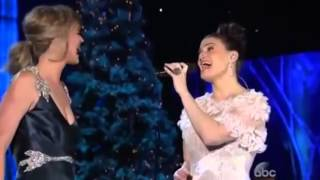 "FROZEN - ""Let It Go"" - Idina Menzel & Jennifer Nettles - LIVE"