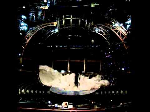 Cirque Curtain Snatch