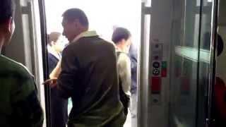 中国東北部の旅  2013  哈大高速鉄道 車内デッキ