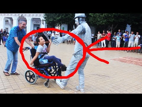 What happened after this street performer stops dancing is amazing | Faith in humanity restored