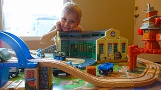 Thomas The Tank Engine And Friends Videos - Playing Toy Thomas The Train Wooden Railway For Kids