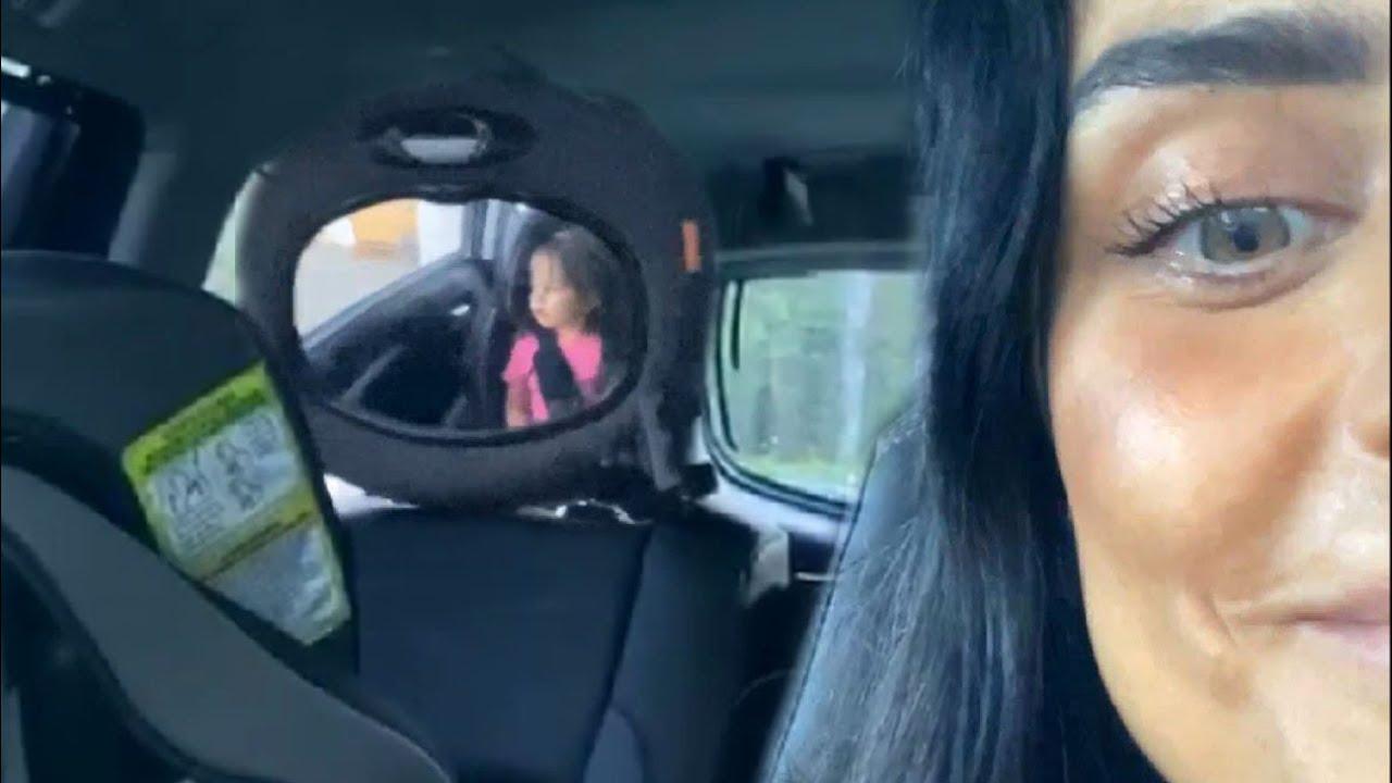 Aislinn Derbez graba la divertida forma de cantar de su hija Kailani
