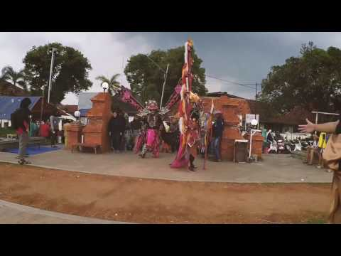 PESTA SENI CARUBAN CARNIVAL KOMUNITAS ART&CULTURE CIREBON