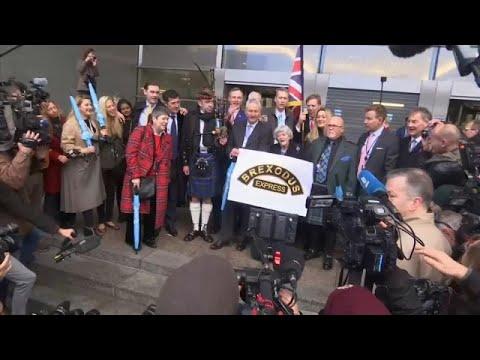 'Brexitçiler' Avrupa Parlamentosu'na veda etti