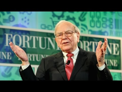 Warren Buffett Says Worrying About A Slowing Economy Is A Mistake - Newsy