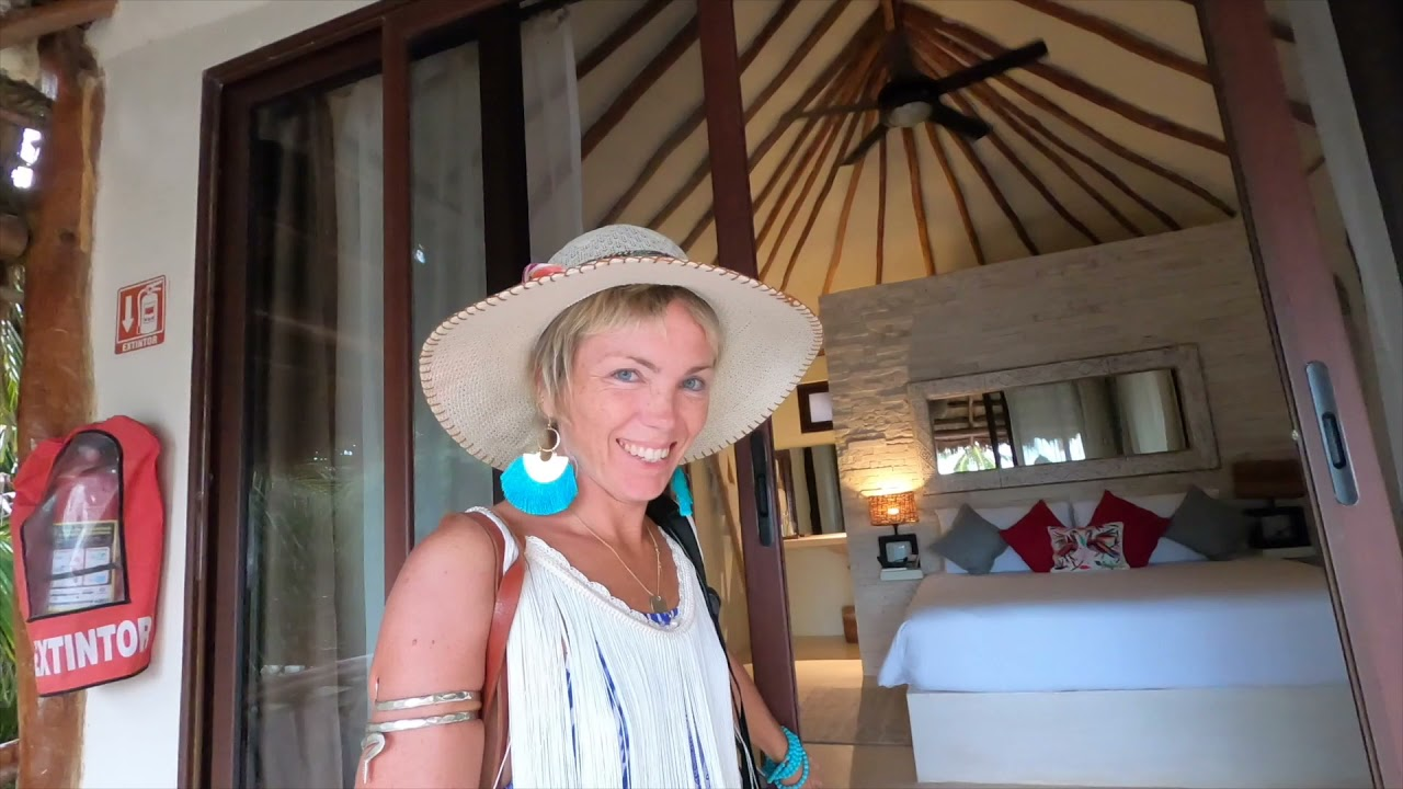 Property promo - Aydra and Emvy in Mexico