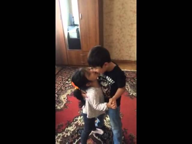 Русское порно видео брат трахнул пьяную сестренку онлайн