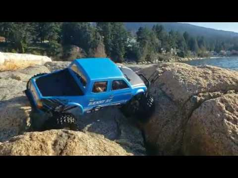 Rc4wd Toyota Tacoma 1 9 voodoo Gold Rock climbing