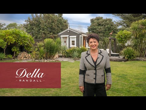 SOLD | Vintage Seaside Escape | 6 Rauparaha Street, Waikanae Beach | Della Randall